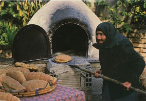 Cuisson de pains doméstiques à Chypre