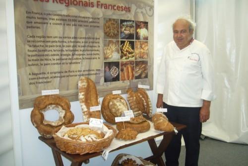 Participation du boulanger français Jacques Mahou (MOF) au Festival du pain de Mafra, seule délégation étrangère représentée.